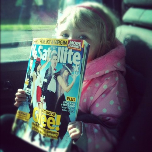 One happy little girl…..my niece just loves Glee. Whilst in the shop, she spotted this magazine and shouted 'Auntie Shell, it's Darren! Your boyfriend and my boyfriend Kurt'LOL My little mini Warbler
