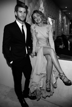 origami-dolls:  i am so happy miley is with an aussie boy!