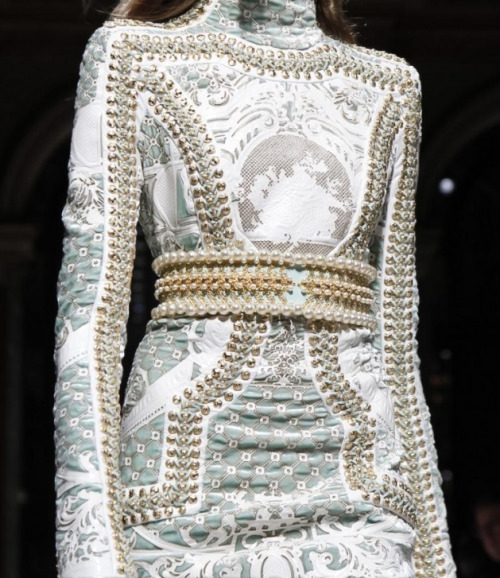 bienenkiste:  Balmain Fall/Winter 2012 details  Holy crap, this is gorgeous.