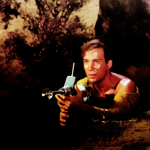 fuckyeahstartrektos:  HOW CAN ONE MAN BE SO FUCKING SEXY?!  Damn, son.