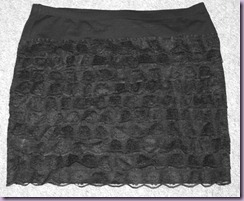 Lace mini skirt Tutorial: tashymakesstuff.blogspot.com