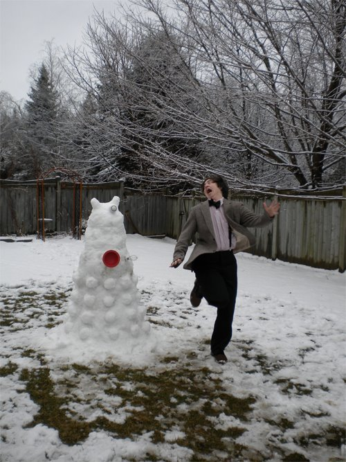 doctorwho:  Snow Dalek + Eleventh Doctor Cosplay + Your Face = Auto Reblog  :D