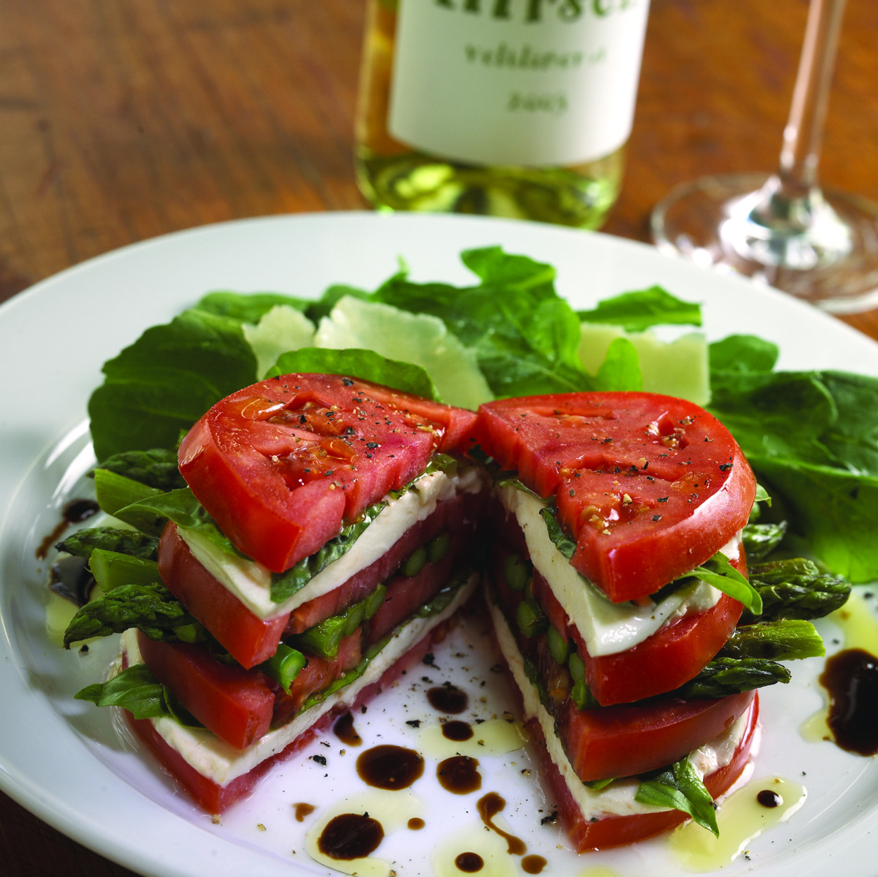 Caprese salad with asparagus