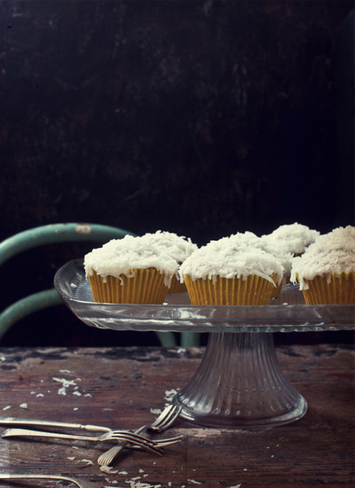 Quindins de Yaya ~ Coconut and Orange Blossom Water Cakes with Orange Blossom Cream Cheese Frosting (via What Katie Ate: Happy Australia Day 2012! Brazilian style! :))
