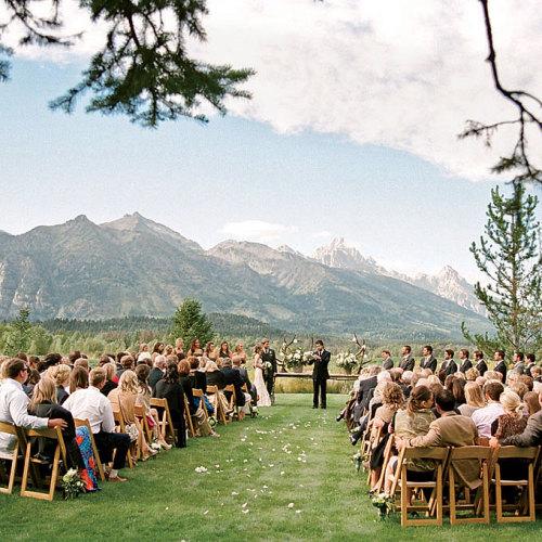 awelltraveledwoman:  shattermybones:   brides:   Jackson Hole Wedding | | Photographed by Carrie Patterson | BRIDES.com    Can't describe how much I love this.  Well shit.