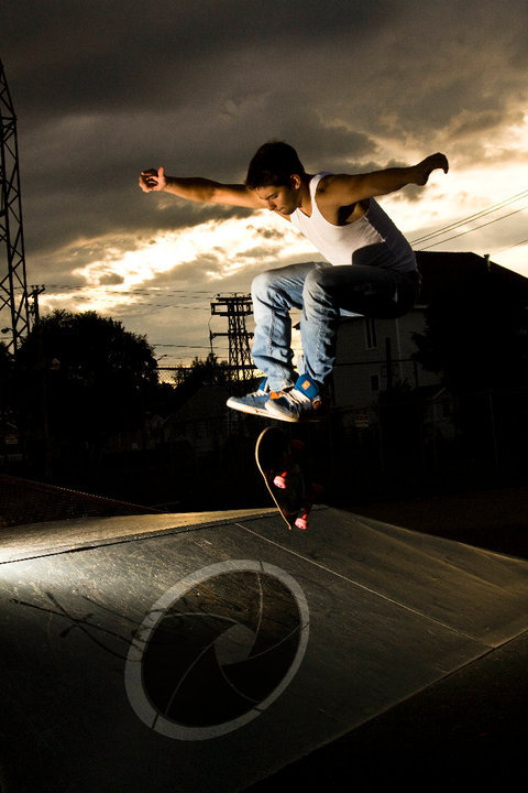 First shoot I did of skateboarding. (1~3 picture I ever took of skateboarding.)