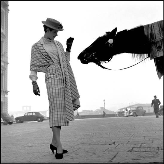 theniftyfifties:  Model wearing Italian haute couture, Florence, Italy, 1950. Photo by Frank Horvat.