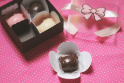 hello-kitty:  Hello Kitty Chocolate