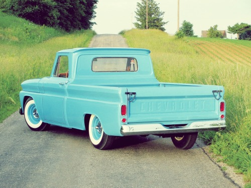 1966 Chevrolet C-10.  i want it!