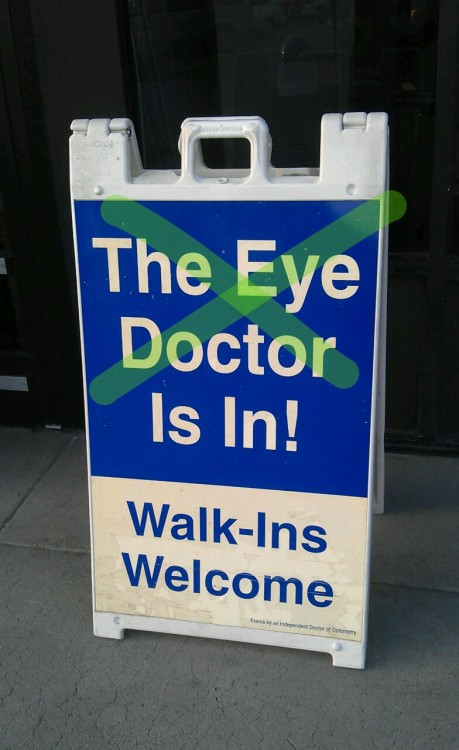 What's wrong with #ophthalmologist? Oh yeah right… #Walmart…