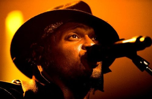 D'Angelo performing live in Europe in January. Wonder when that U.S. tour is gonna start? Hmmmm….