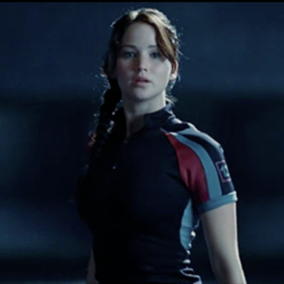 totalfilm: 3 weeks.   New Hunger Games clip arrives The Hunger Games has previewed a new clip online, in which Jennifer Lawrence's Katniss gets an early opportunity to show off her skills with a bow and arrow…