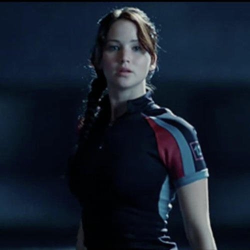 totalfilm:   New Hunger Games clip arrives The Hunger Games has previewed a new clip online, in which Jennifer Lawrence's Katniss gets an early opportunity to show off her skills with a bow and arrow…