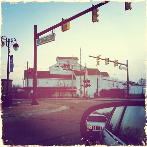 #insomnia I get #bored quickly at intersections #morning #fenton #michigan #driving #mirror #cars #ig #hipstamatic #iphone4s #honda #jeep  (Taken with instagram)