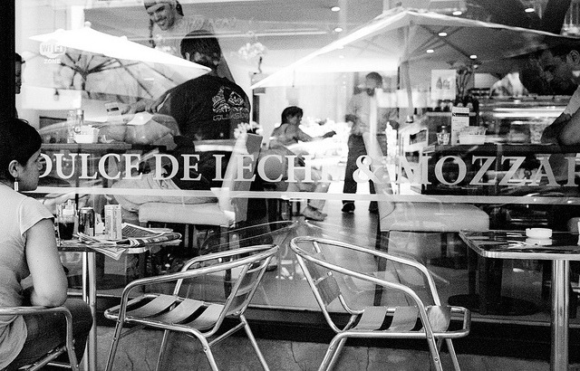 untitled by oct on Flickr.Via Flickr: Buenos Aires Leica M6 50mm Summilux Ilford XP2 400