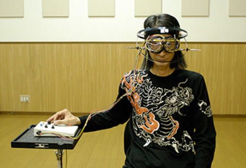 Kind of reminds me of the EyeWriter. thisistheverge:  Japanese musician Masaki Batoh's unconventional new album Brain Pulse Music features the artist getting busy on an instrument of the most unorthodox kind — a freakish, EEG-enabled headset that turns brain waves into sound waves. More on Japanese artist creates EEG headgear for 'Brain Pulse Music'
