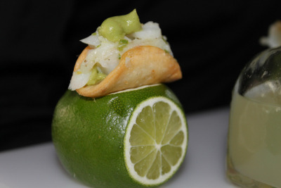 thecakebar:  Mini Fish Tacos served on Limes! Yes, I broke my own rule. I know this is not a dessert… but look how adorable! I would take out the fish filling and make these into some kind of coconut/lime concoction and turn this into a fab mini dessert bar treat!