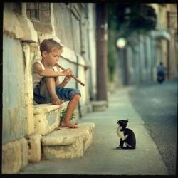 unjoursurterre:  The Little Boy, The Flute and The Kitten