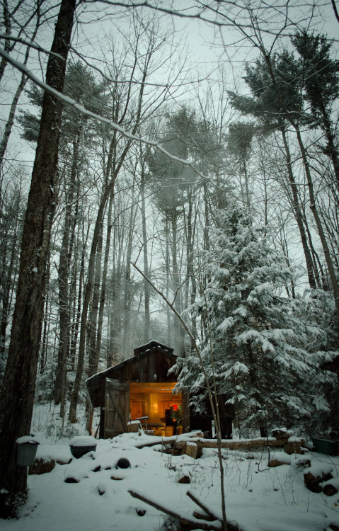 cabinporn: Sugar cabin in the backwoods of Bolton Landing, NY. This is exactly where I imagine myself when I think about what to do with my free time.  You will also like: winter song.