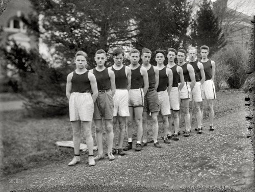 (Pictured above - Woodberry forest track team, circa 1910)  This week has been tough for me mentally. I scaled back my runs in a pretty major way, and of course have been feeling guilty about it. But after Sunday's long run my knee just wasn't happy and I did some serious thinking about how I've really pushed myself the past 8 weeks to keep up with my training schedule and pretend that I don't have a relatively serious injury. But in all reality I should really give my body more time to heal. Just read this on another running blog .. 'It's not always easy to be a smart runner, but it pays off in the end.' Need to keep telling myself that.  I've done a few short runs (3-4 miles) as well as some spin classes, strength training and yoga. I've gotten pretty obsessed with spinning over the past couple of months. It's been such a huge help in keeping up my overall fitness level and getting in a good cardio workout when I haven't been able to train as much as I would like. It rarely irritates my knee, which is one of the best parts. Once marathon training is done I'm excited to take spin classes more than just 2 times a week.  We'll see how far I get on my long run this weekend. Currently I don't have much of a plan .. just run until my knee doesn't want to go anymore. Hopefully this week of resting will let me get through 12-14 miles.