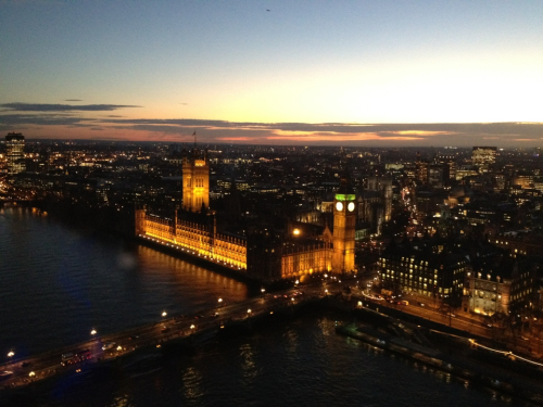 A view from the London Eye. After living in England for more than 2 years, eventually I had CHANCES to be up there.