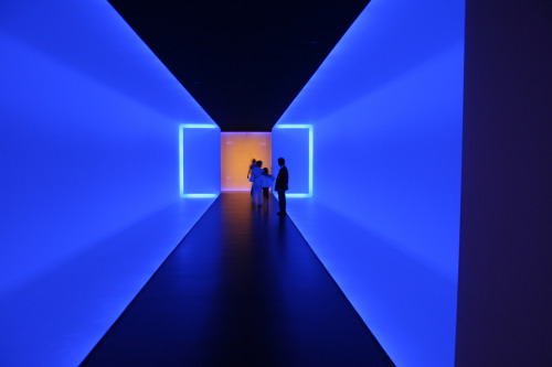 myampgoesto11:  James Turrell: Lightbox