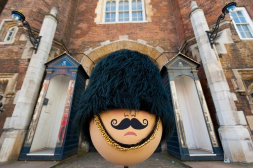 "noratherese: Big Egg Hunt Hides 200 Giant Easter Eggs In London    Fabergé makes London home to the biggest Easter Egg hunt in history— featuring 200 eggs designed by well-known figures, including: ""the Chapman Brothers, Marc Quinn, Zaha Hadid, Zandra Rhodes, Vivienne Westwood, Sir Peter Blake, Sir Ridley Scott and, inevitably, food frolickers Bompas & Parr."" At the end of March, the eggs will be auctioned off to support charities Action for Children and Elephant Family."