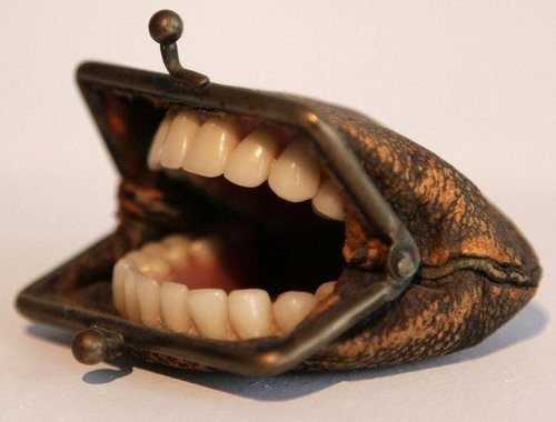 magrazziahr:  Mouth bag
