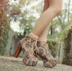 totallychangedomain:  flower shoes