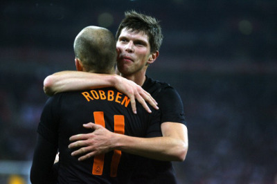 Klaas-Jan Huntelaar and Arjen Robben celebrating the 0-1 against England (29.02.2012).