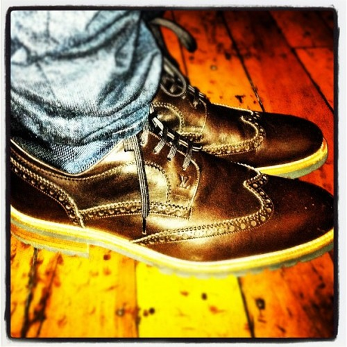 What a way to end wingtip week. LV Damier High. Chocolate w/ navy. Ooooooh! (Taken with instagram)