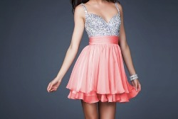 jordynprince:  I want this dress soooooo bad  same!