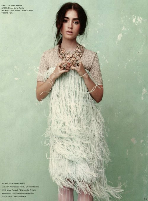 oscarprgirl:  lily collins in Oscar de la Renta, from the LA times magazine.