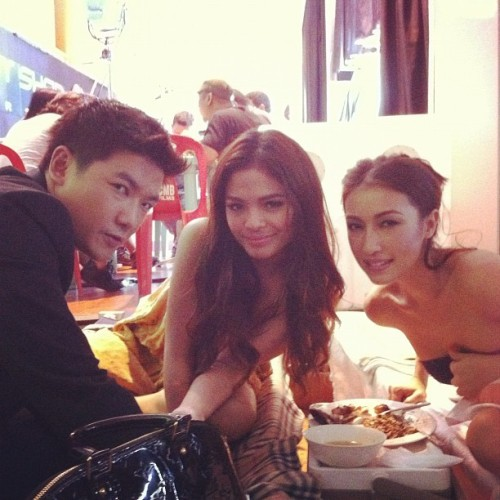 "RT @MaritoniF "" With @officialTIMYAP @lovipoe and @solennheussaff http://instagr.am/p/HqCfXjH7Mj/ """