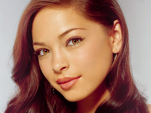 Kristin Kreuk is Catherine Chandler  Kristin Kreuk plays Catherine Chandler, an NYPD homicide detective who witnessed the murder of her mother as a young woman - as well as the murderer's own swift demise at the hands of a mysterious beast.