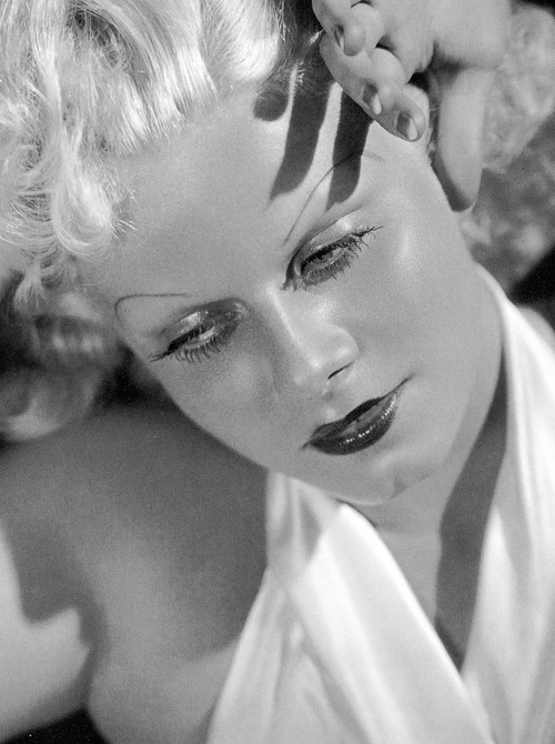 deforest:  Jean Harlow photographed by George Hurrell, 1933  Hoooow gorgeous !