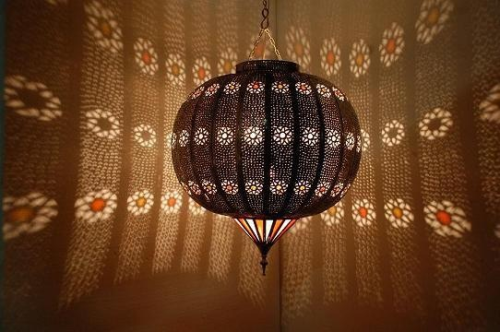 Ladies and gentlemen, feel free to craft me this Moroccan wooden lamp.  I love lamp.