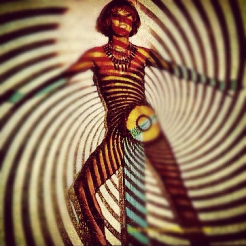 Op Art Performance #opart #spaceage #retro #psychedelic #performance #mod #vintage #optical #iphone #iphonography #swag #instagram (Taken with instagram)
