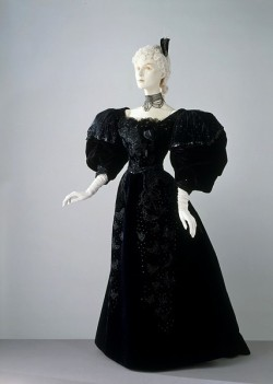 Evening dress by Stern Bros, 1894