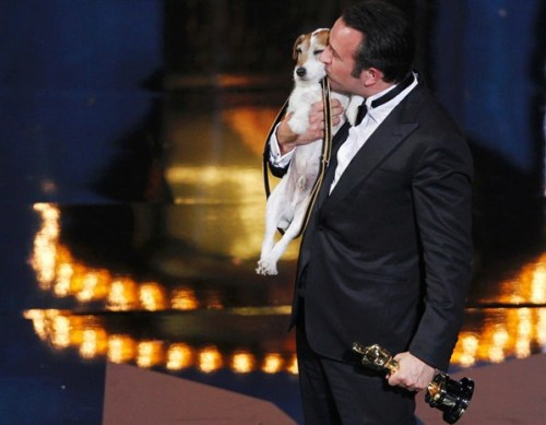 the60stwist:  Uggie & Jean Dujardin  Jean Dujardin, mejor actor 2012