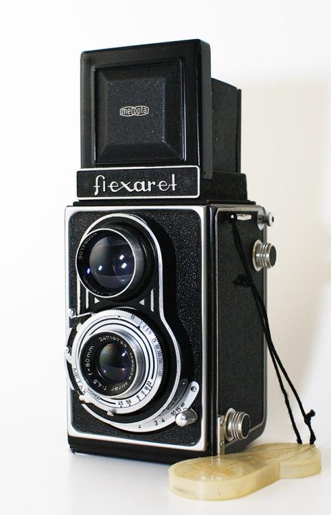 My History of Czech TLRs part 6: Flexaret IIa. Here comes the Meoptas. The Flexaret IIa was the first Meopta Flexaret and was introduced in the late 1940s. The only real difference between the II and the IIa is the domed Meopta finder front/top on the IIa. There are, however, a plethora of IIas around and they are cheap. They usually sport a Metax shutter. These are, in my opinion, underrated. I have never had a problem with a Metax but the Prontors on my Flexarets are always giving me gyp. My IIa has always been completely reliable. The Metax shutter runs and runs and seems accurate enough (given 'modern' film stock, I shoot 80% HP5+ and 20% FP4+ so not really that modern). As a regular user the IIa is the pick of the Flexarets after the Standard. This is because the wind on does not set the shutter, it is a simple knob wind with a red window. These simple beasties just have nothing in them to go wrong. I would pick a Standard over a IIa because they are just a lot less old, have a slightly brighter screen and a slightly better taking lens. The Standard, however, is a lot harder to get than a IIa and, therefore, a lot more expensive (well, a lot less cheap - none of the Flexarets except maybe a I or a III should cost too much).