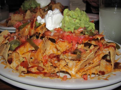 foodsfromallovertheworld:  Mexican Nachos   Because regular Nachos are not Mexican. LMaO