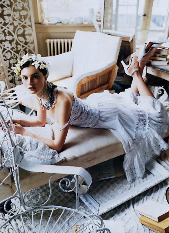 Vogue US, March 2000The White Album by Steven Meisel