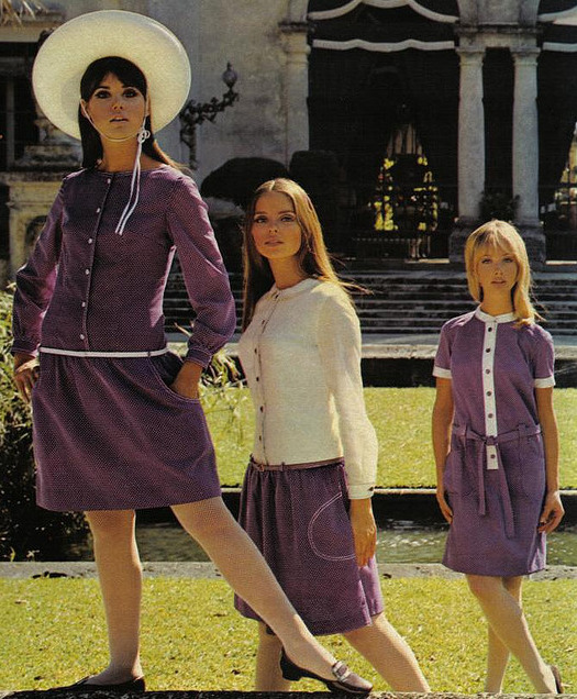 theswingingsixties:  Colleen Corby (left) for Seventeen magazine, 1960s.
