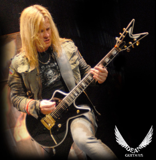 Glen Drover Interview and Live clips.