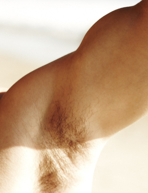 gallagherl:  Ladies and gents this is Darren Criss' arm