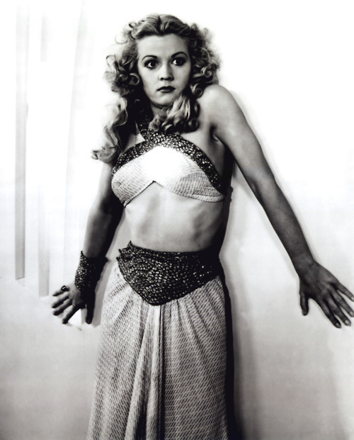 Jean Rogers as Dale Arden in Flash Gordon (serial 1936)
