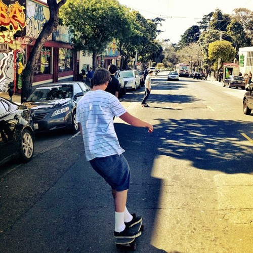 shredding SF with @rich_as_fuhk @orteganonsense #california_igers #skatelife #reveltposse #loques #sf #picoftheday #mood  (Taken with Instagram at Haight Street)
