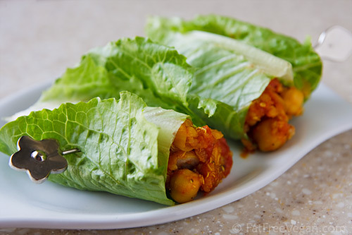 veggie-adventures:  Chickpeas and quinoa lettuce wraps! Yummmm. Recipe here.