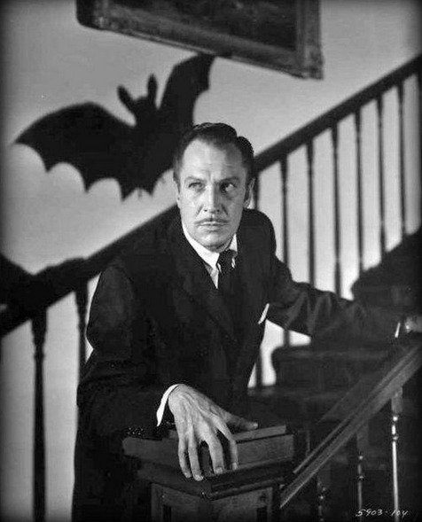 beautyandterrordance:  Vincent Price as Dr Malcolm Wells, in The Bat (1959).